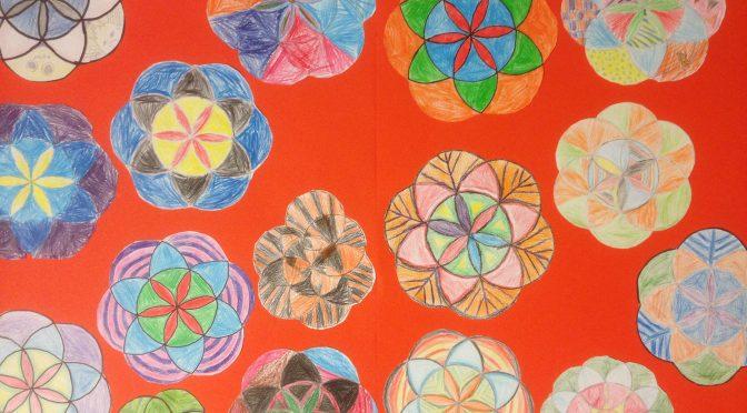 Geometrikonst – cirkelblommor och triangeltavlor