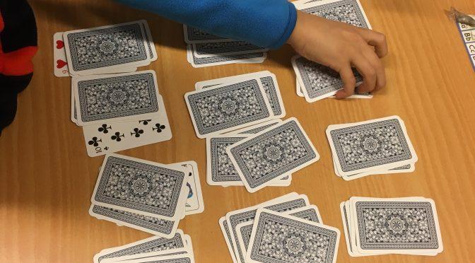 Vi tränar upp till 13 med spelkort.