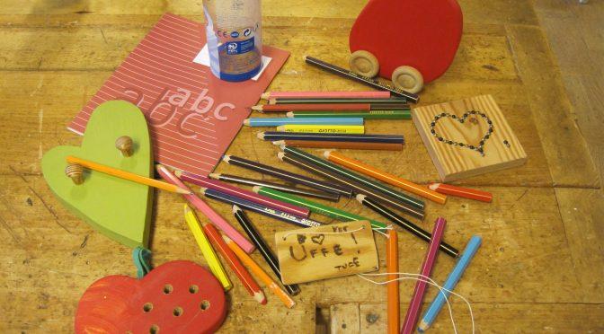 Elev ska lära sig hantera redskap, verktyg samt använda sig av slöjdspecifika ord!